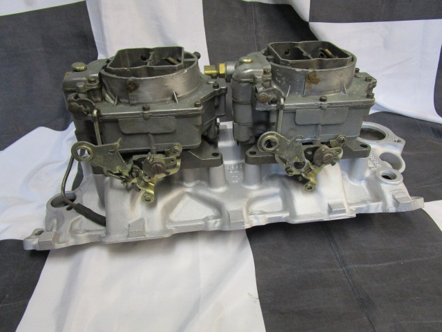 twin Carter WCFB carburettors