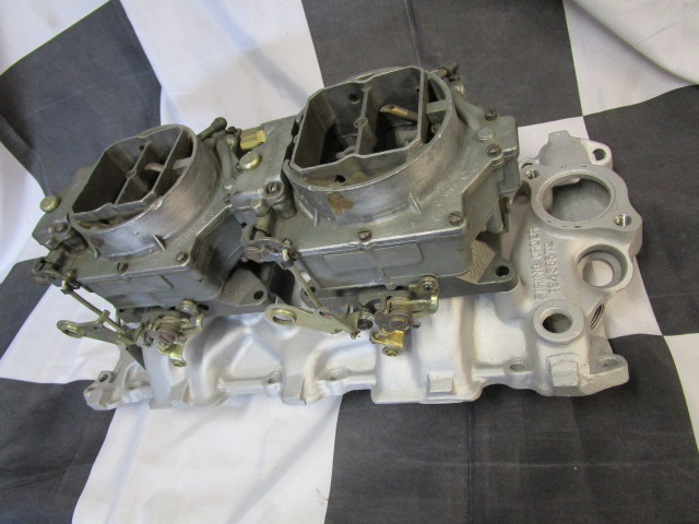 dual carbs on low rise Corvette intake