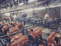 chev-engines-on-the-production-line